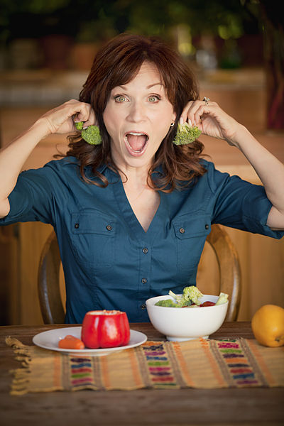 400px-Marilu_Henner_Broccoli_Earrings_2010